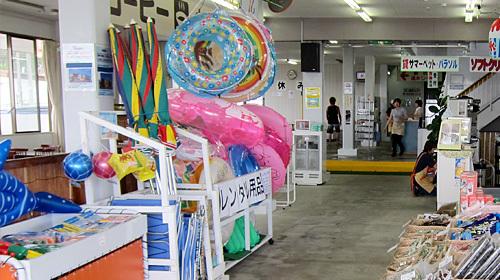 阿字ヶ浦海の家:南浜ビーチガーデンのビーチパラソル等ビーチ用品貸し出し